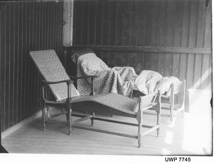 Liggestoler, Lyster sanatorium. Fotograf: Severin Worm-Petersen, 1923. Norsk Teknisk Museum, Lisens: CC BY