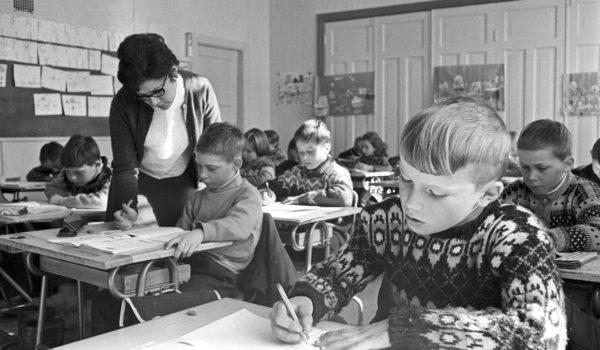 Gratangen skole 1970. Foto: Kjell Fjørtoft. Tromsø museum - Universitetsmuseet