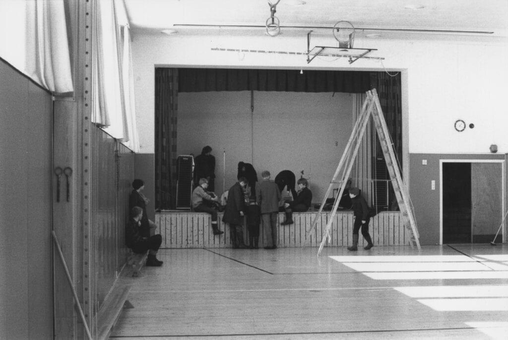 Bildet er tatt i 1967 i gymsalen på Tromsø gymnas, nå Kongsbakken videregående skole. Foto: Erling Steenstrup